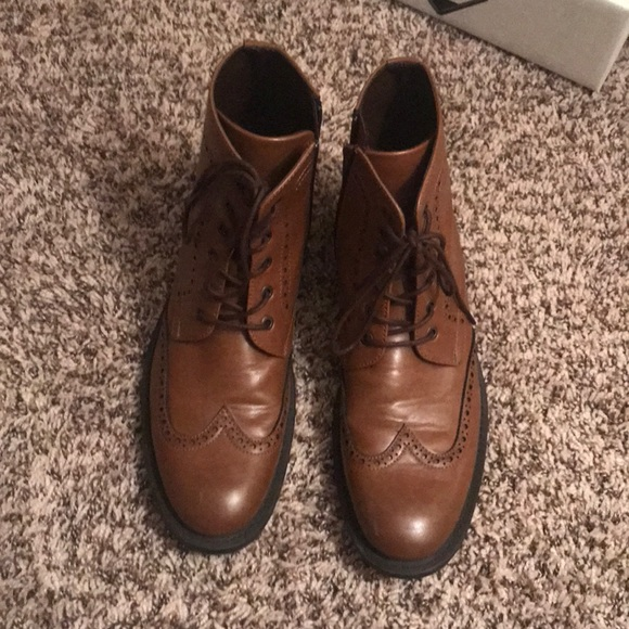 eab069c785fd Men s dress boots Kenneth Cole unlisted. M 5b7f4c8fd6716a419727e157